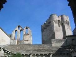 Abbaye de Montmajour mit dem Turm Pons de l'Orme