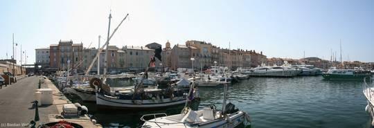 Alte Häuser am Hafen von Saint-Tropez