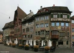 Alte Häuser mit zahlreichen Wandmalereien in der Altstadt von Stein am Rhein