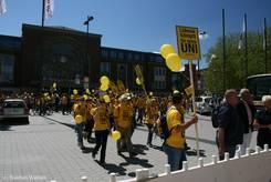 Ankunft der Lübecker Demonstranten am Kieler Hauptbahnhof