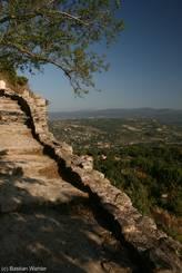 Aufstieg zum Aussichtspunkt in Saignon