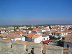 Ausblick über Saintes-Maries-de-la-Mer in die Camargue
