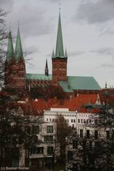 Ausblick von den Wallanlagen auf die Petrikirche und die Marienkirche