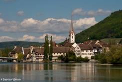 Ausblick von der Brücke zur Klosterinsel Werd auf die Altstadt von Stein am Rhein