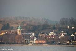 Ausblick von der Insel Reichenau auf die Kirche von Allensbach