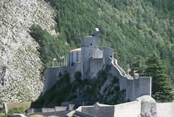 Blick auf die Zitadelle oberhalb der Altstadt von Sisteron
