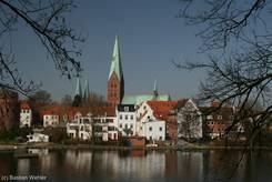 Blick über den Krähenteich auf die Aegidienkirche