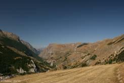 Blick vom Weg hinauf zum Lac du Pontet über das Tal der Romanche Richtung Westen