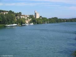 Blick von der Rhône-Brücke auf den Tour Philippe Le Bel
