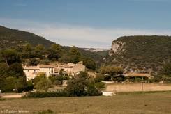 Blick von Lourmarin Richtung der Schlucht zwischen Petit und Grand Luberon