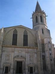 Carpentras: Barocke Westfassade der Kathedrale St. Siffrein