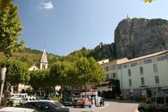 Castellane: Blick vom 'Place Marcel Sauvaire' Richtung 'Place de l'Eglise'