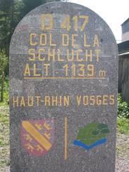 Col de la Schlucht: Grenzstein Haut-Rhin und Vosges