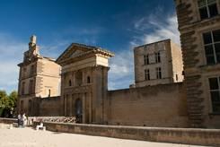 Das Château de la Tour-d'Aigues, ein Schloss aus dem 16. Jahrhundert