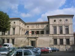 Das Rathaus (Hôtel de Ville) von Beaucaire