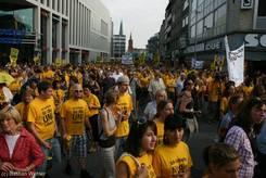 Der Demonstrationszug vom Mühlenteller erreicht die Breite Straße