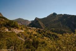 Der kleine Ort Rouaine etwa 6 Kilometer östlich des Col de Toutes Aures