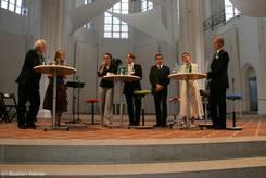 Die Diskussionsrunde in St. Petri mit Wolfgang Kubicki, Linda Krause, Bernd Saxe, Cordelia Andreßen und Peter Dominiak