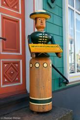 Figur vor dem Norddeutschen Spielzeugmuseum
