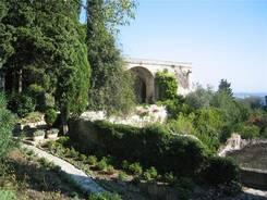 Garten im Fort St-André