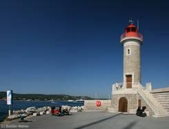 Leuchtturm am Hafen in St.-Tropez