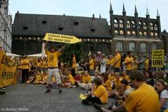 Lübeck kämpft für seine Uni vor dem Lübecker Rathaus