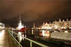 Lübeck: Stadt-Trave mit Blick Richtung Holstenhafen
