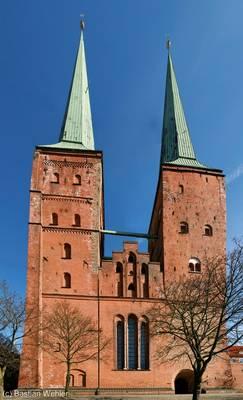 Lübecker Dom zusammengesetzt aus 15 Einzelaufnahmen