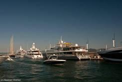Luxusyachten im Hafen von Saint-Tropez
