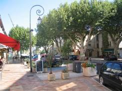 Nach der Ankunft in Bollène haben wir am nächsten Morgen erstmal die Stadt erkundet