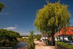 Niendorf/Ostsee: Dörfliche Idylle am kleinen Fluss Aalbeek