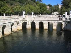 Nîmes: Jardin de la Fontaine