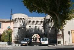 Porte Villeneuve, ein Stadttor aus dem 16. Jahrhundert