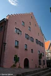 Rückwärtige Ansicht des Rathauses in der Altstadt von Engen