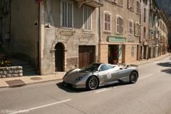 Sportwagen auf dem 'Boulevard Saint-Michel' in der Nähe des Office de Tourisme (Touristeninformationsbüro)