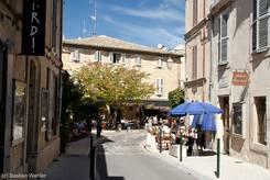 Straße im Dorfkern von Lourmarin