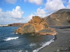 Überreste der westlichen Flanke des Kraters von El Golfo im Atlantik