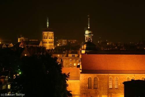 Weiterer nächtlicher Blick über die Altstadt von Danzig