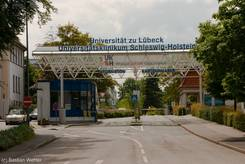 Zufahrt zur Universität Lübeck