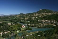 Zusammenfluss von Buëch und Durance am Stadtrand von Sisteron